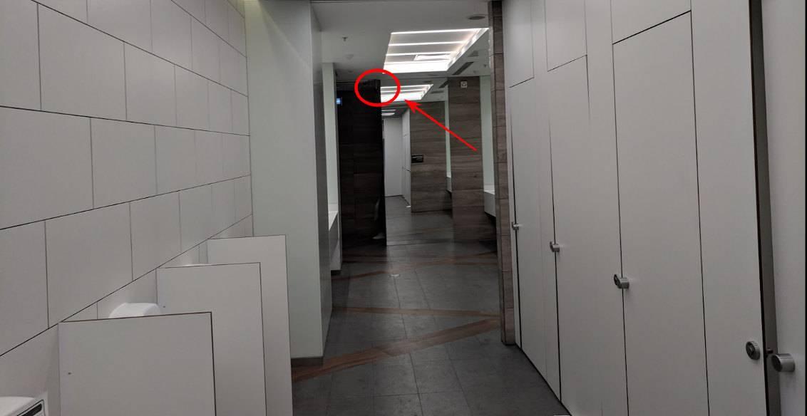 kameri-videonablyudeniya-v-zhenskih-tualetah